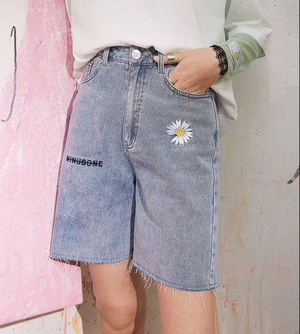 DAISY EMBROIDERY HIGH WAIST WOMEN DENIM SHORTS-Cosmique Studio
