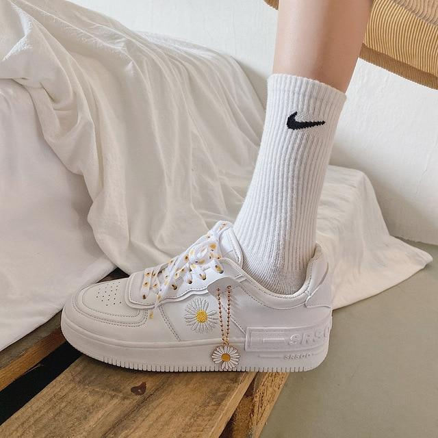 INDIE AESTHETIC CUSTOMIZED DAISY SNEAKERS - Cosmique Studio