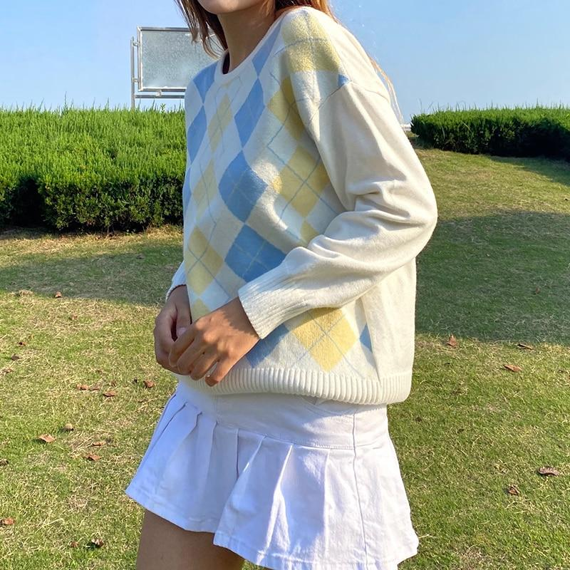 PREPPY WHITE PLAID SWEATER - Cosmique Studio - Aesthetic Outfits