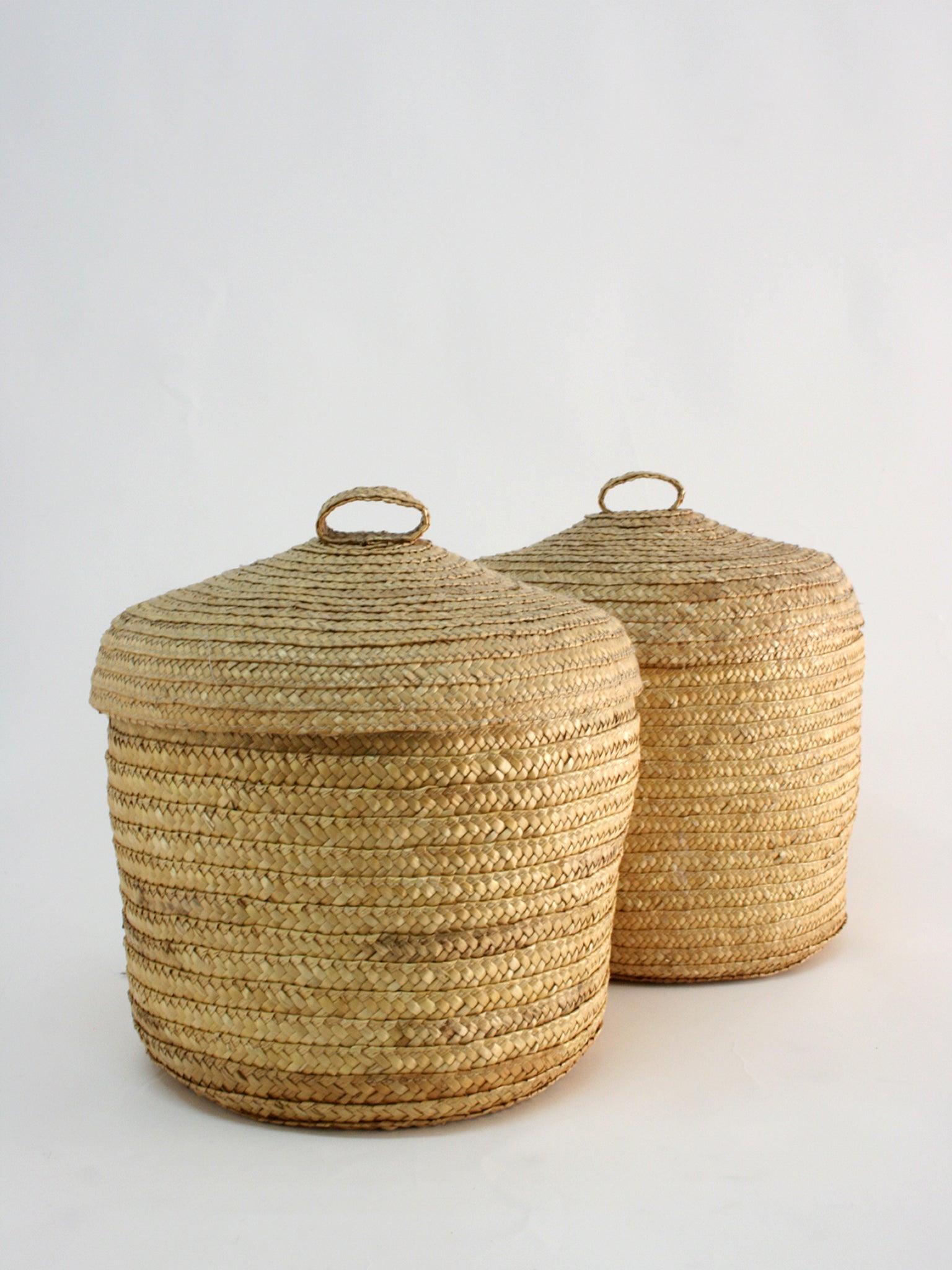 Straw basket, handcrafted