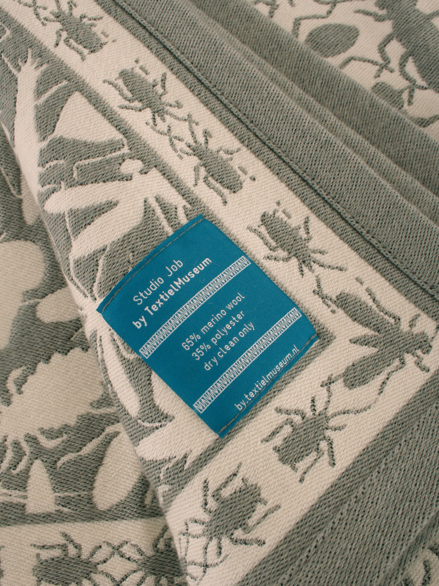 TextielMuseum blanket Insects grey