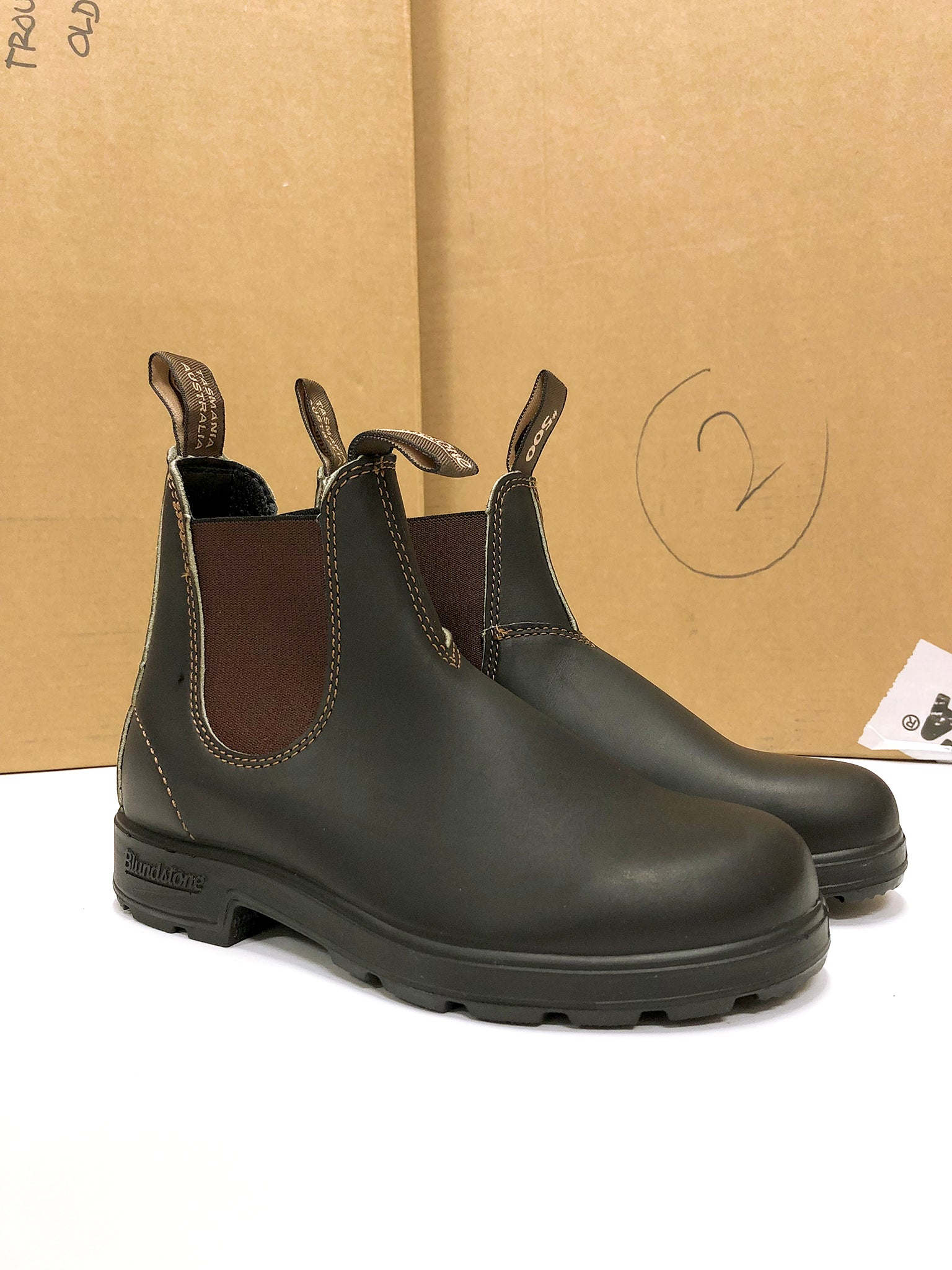 blundstone chelsea boot brown