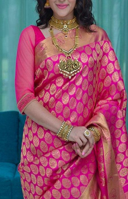 Peculiar Pink Color Designer Soft Silk Saree SC3031