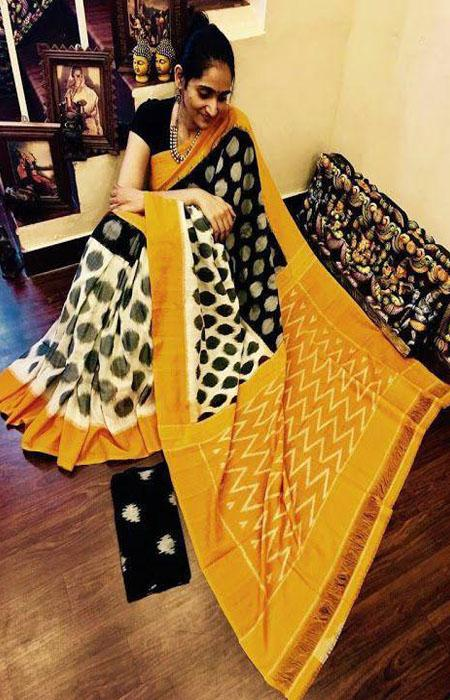 Fashionable Orange and Black Color Linen Designer Digital Print Saree LN8103