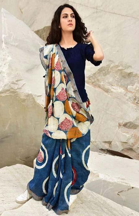 Embodied Multi Color Linen Designer Digital Print Saree LN8307