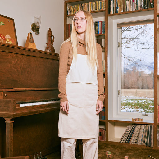 The Good Apron in Undyed Organic Cotton Twill