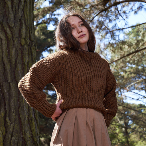 Cropped Merino Wool Sweater in Quebracho Brown