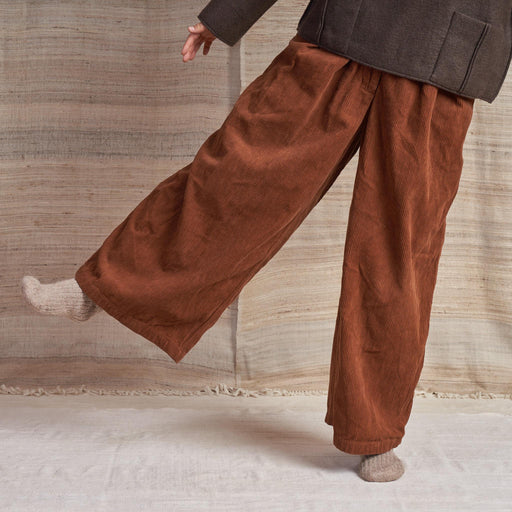 Bridge Trousers in Bark Brown Organic Corduroy