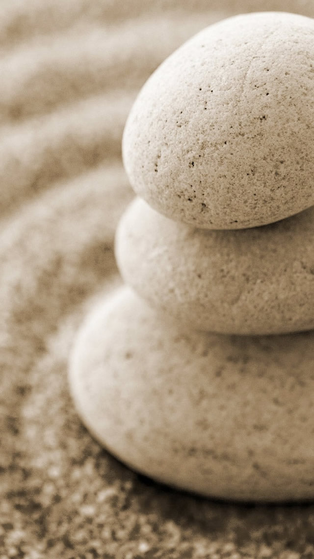 Overlap Pebble On Beach Sand Iphone 11 Pro Max Wallpaper