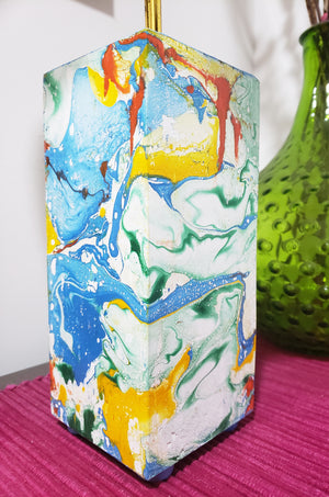 Marbling on wooden lamp
