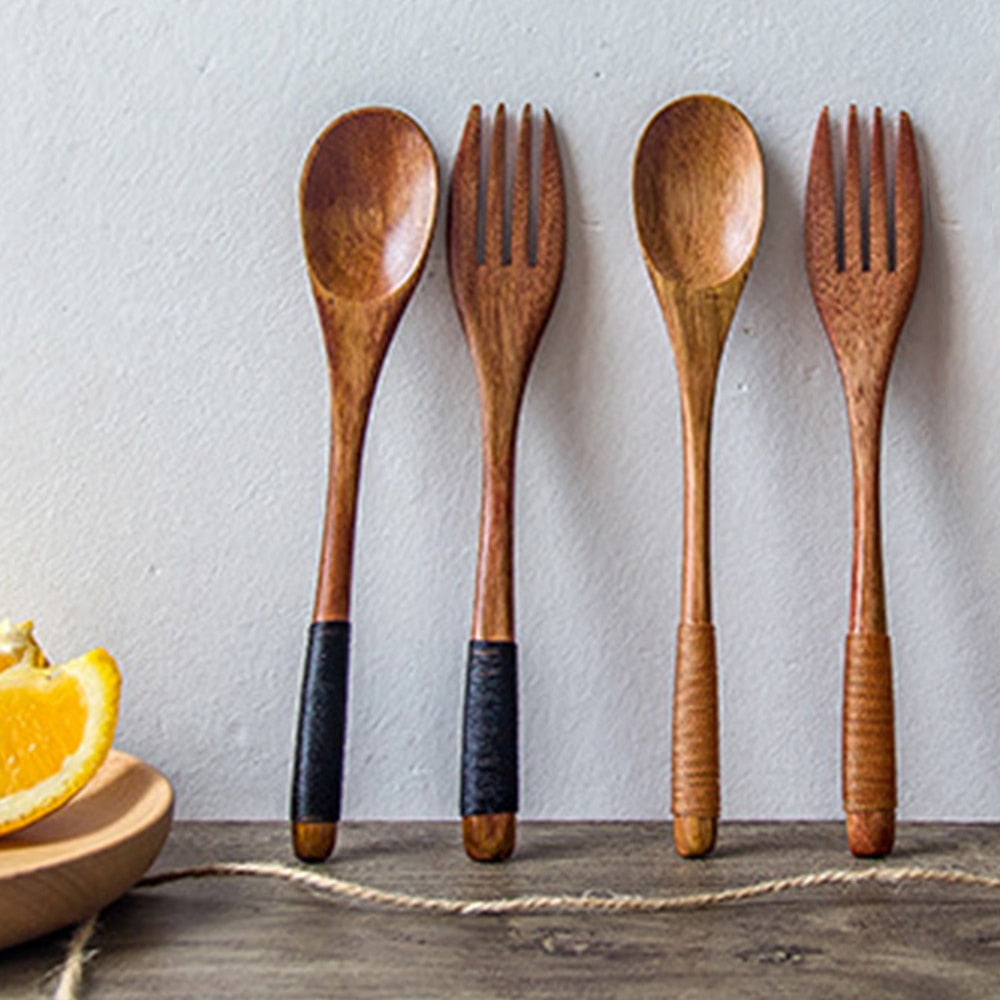 Portable wooden cutlery