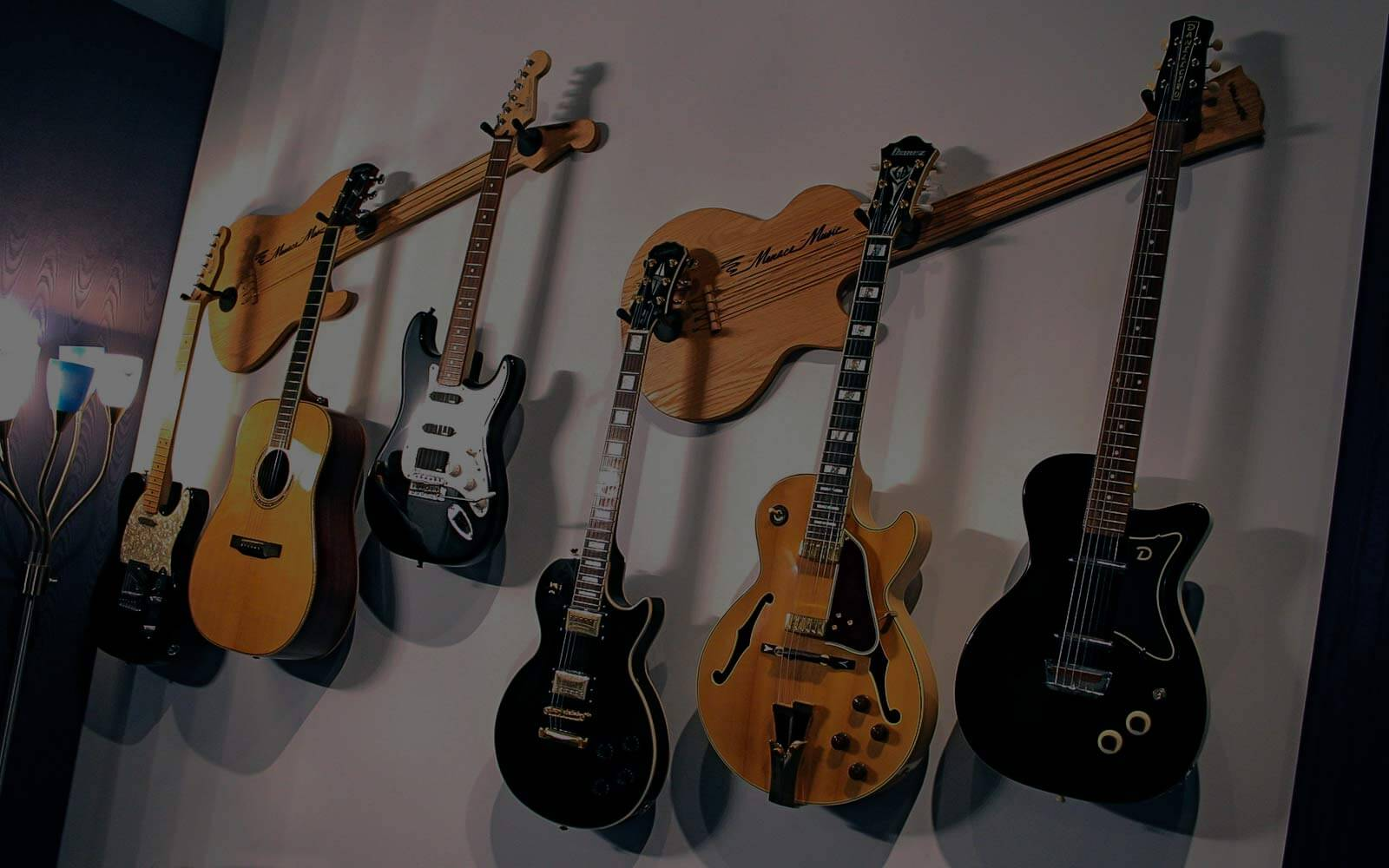 Wall-Axe | custom guitar hangers