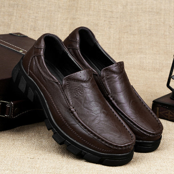 Men Genuine Leather Classic Moc Toe Slip On Casual Shoes