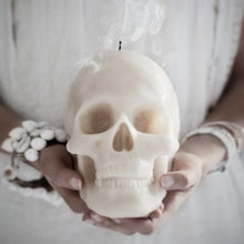 Bleeding skull candle - Much More Decor