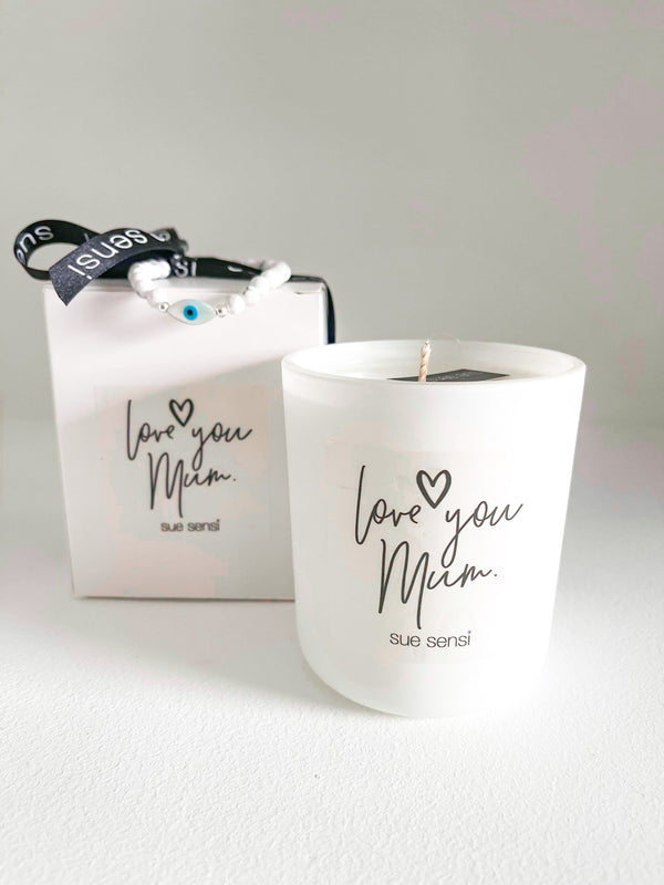 Mother's Day candle with free bracelet
