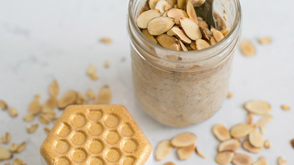 Real Ingredients: Sweet Honey Almond Overnight Oats