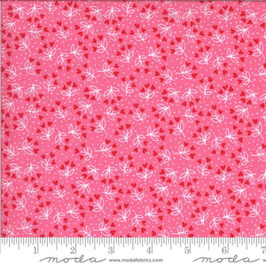 Be Mine Sweetheart Loves A Bloom Yardage (20715 13)