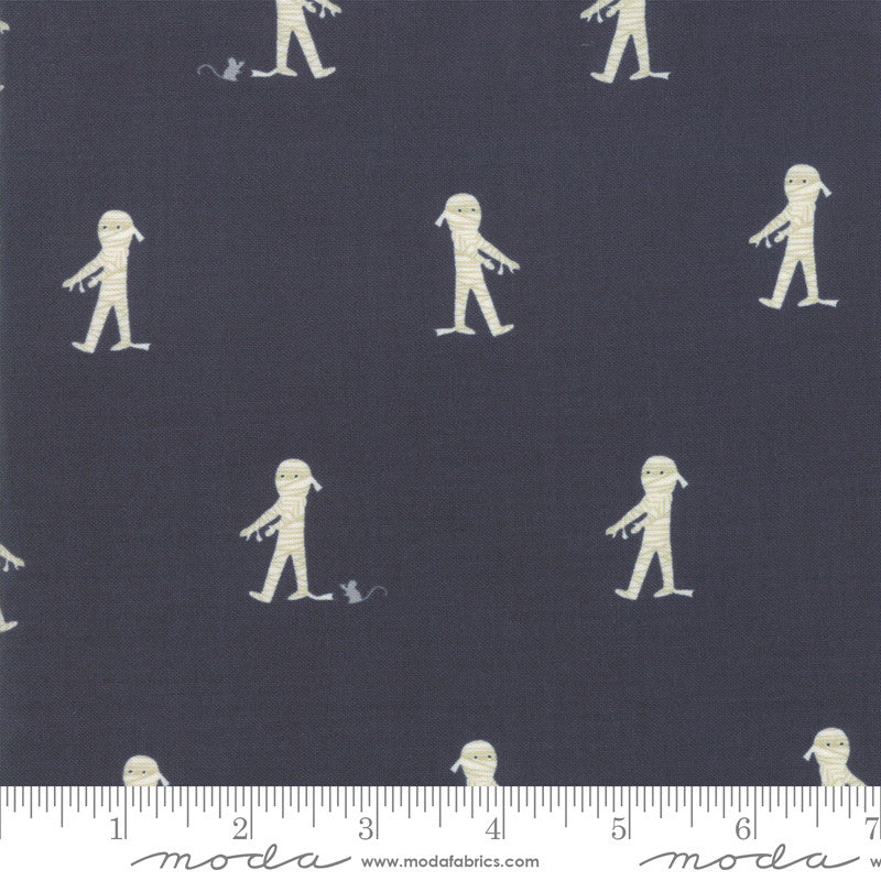Ghouls and Goodies Licorice Here Mummy Mummy Yardage (20682 12)