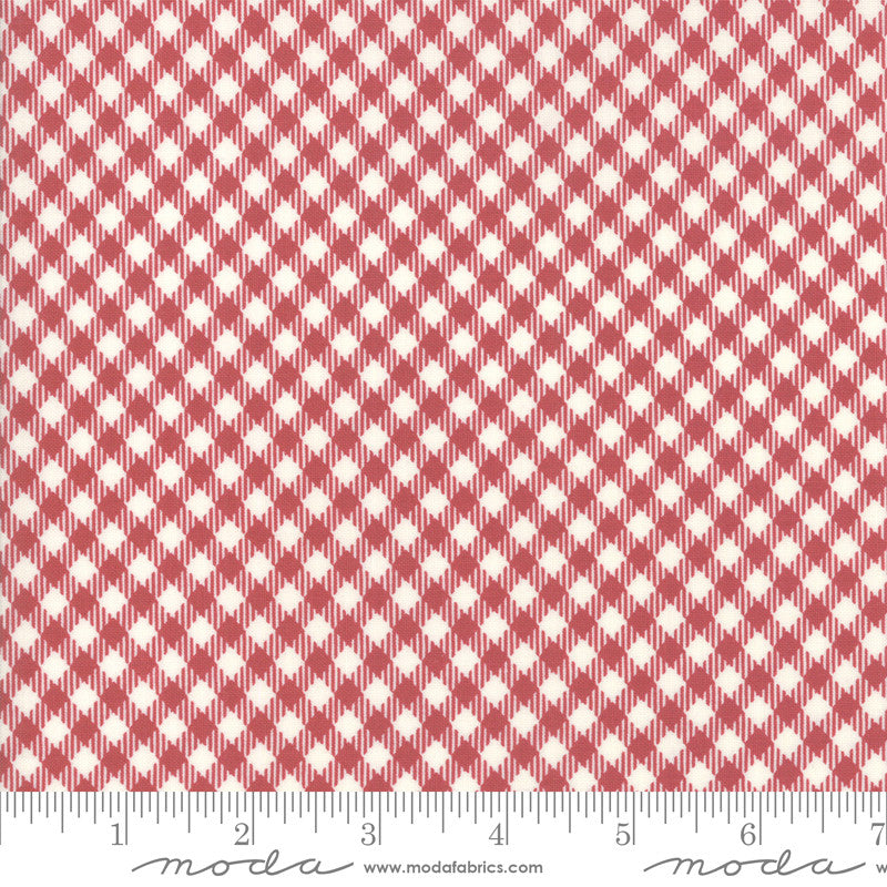 Branded Cream Apple Red Picnic Check Yardage (5782 21)