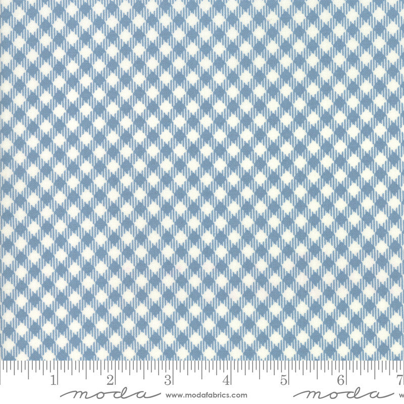 Branded Cream Blue Picnic Check Yardage (5782 26)