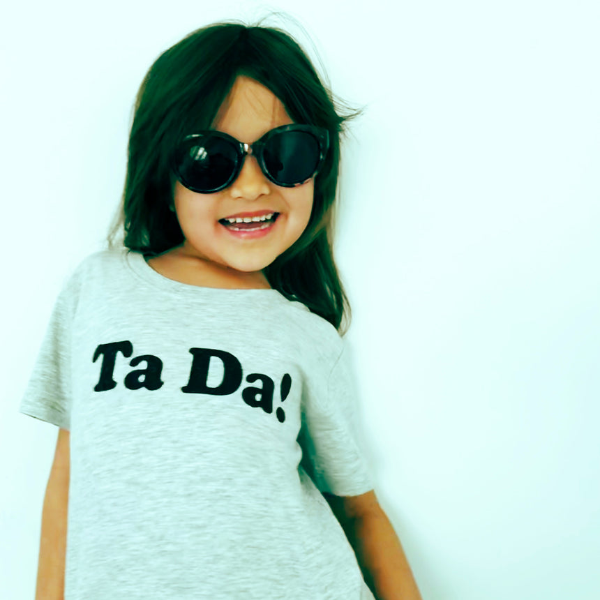 Kid's T-Shirt - Ta Da! - Gray