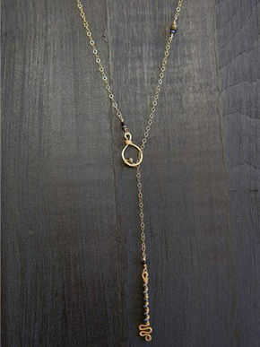 Key Hole Lariat