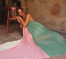 Load image into Gallery viewer, PLEATED COLORBLOCK HALTER MAXI DRESS