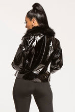 Load image into Gallery viewer, VINYL PUFF SLEEVE FAUX FUR COLLAR JACKET