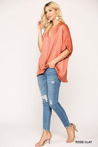 CROSSOVER FLOWY TOP