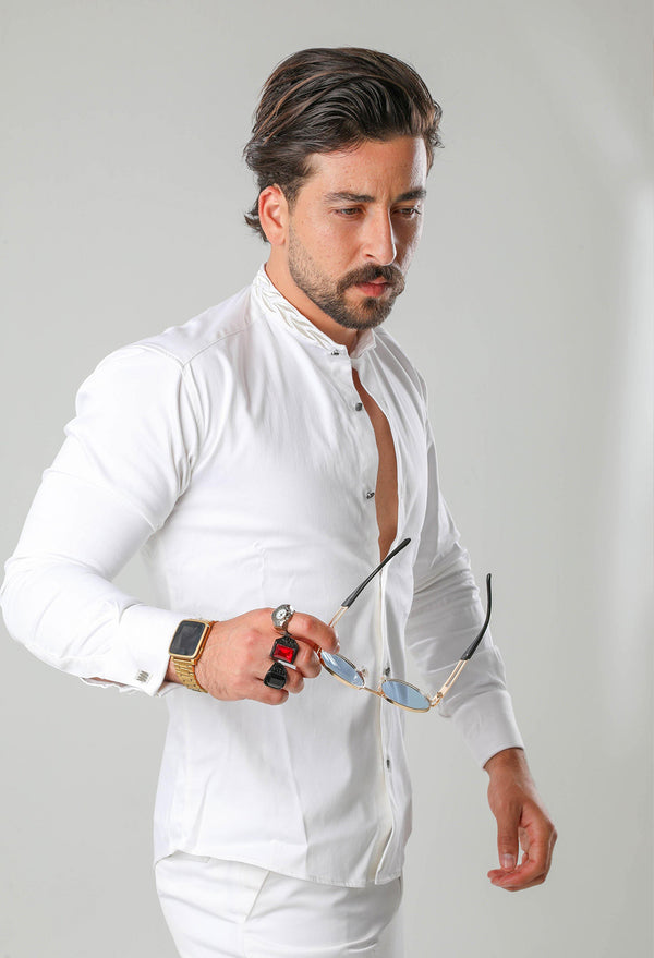 Brighter days call for lighter looks. So make sure you're wearing a Martini Bercolli B.L.E shirt when the sun decides to show its glorious face. You'll be feeling perfectly fine on even the stickiest of days. Crafted from cotton this all-white shirt, with its silvery embroidery to the mao collar for an extra sophisticated touch and silver-tone cufflinks fastening for an instant upgrade. Time to take your style to the next level.