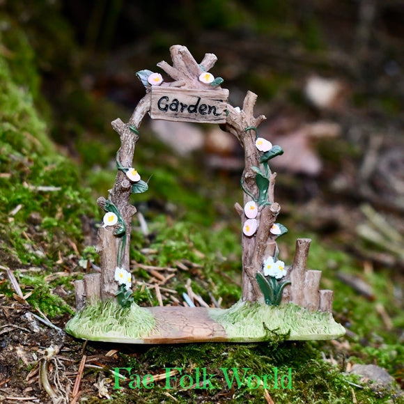 Tiny Arbor for Fairy Garden