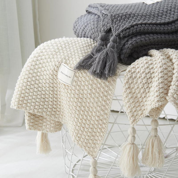 Solid Thread Throw Blanket with Tassel - Einhorn Homewares