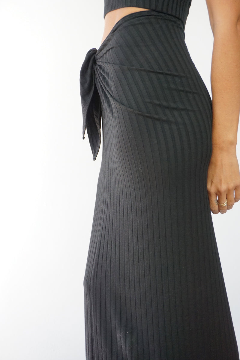 SUNSET SKIRT - ONYX