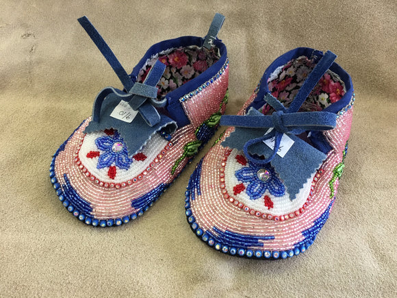 Beaded Set - Moccasins Sz 9-10