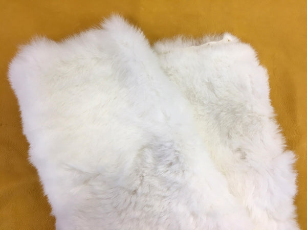 Rabbit Fur Plate - White