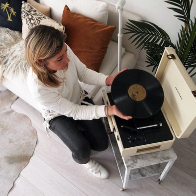How Shannah discovered a new way of listening to music with her brothers old record collection