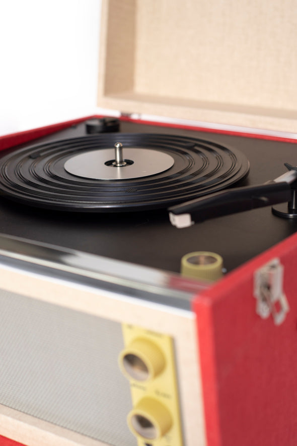 Crosley Radio Europe | Bermuda vintage red bluetooth record player