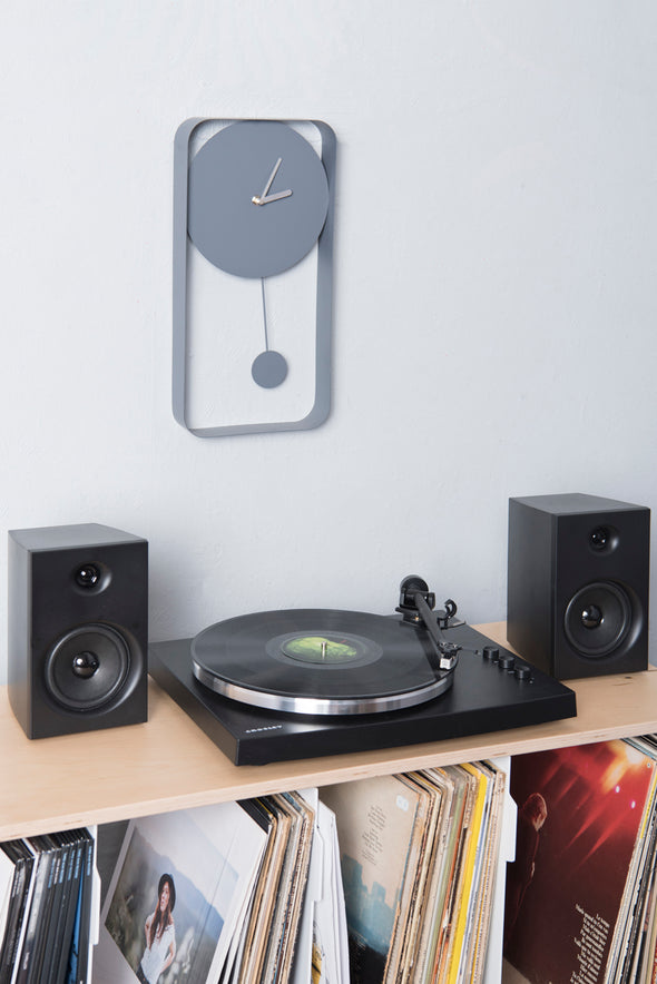T150 record player | Black