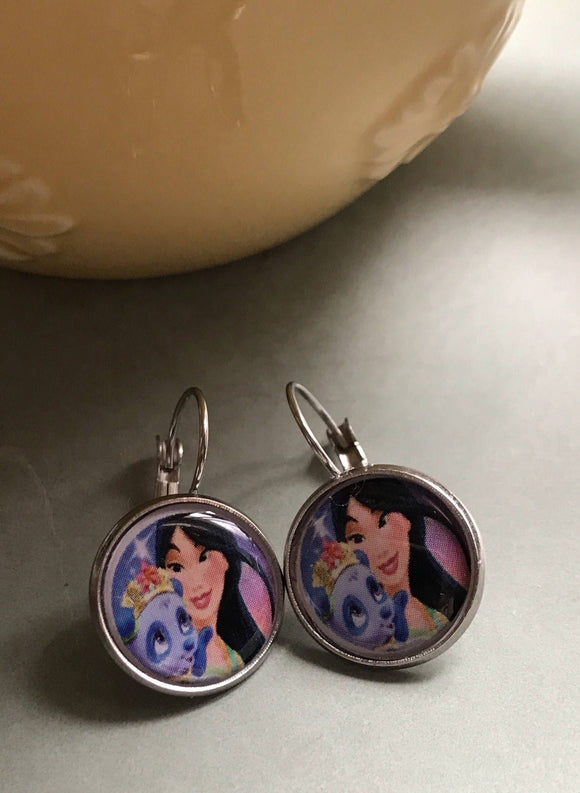 Pocahontas resin cabochon earrings - 16mm