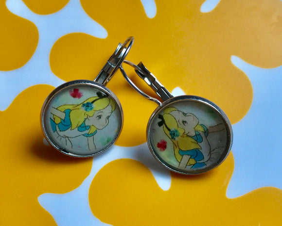Alice resin cabochon earrings - 16mm