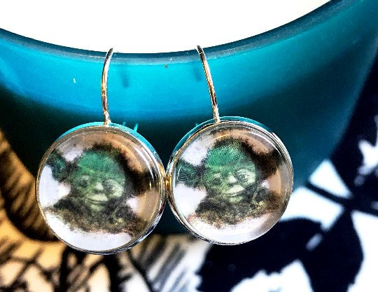 Yoda cabochon earrings- 16mm
