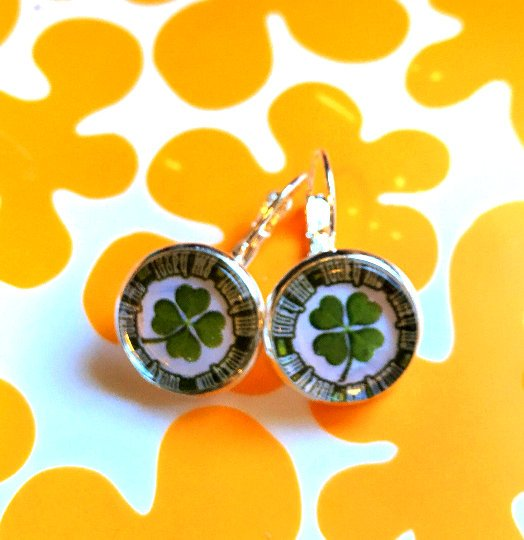 St Patricks Kiss Me I'm Irish cabochon earrings- 16mm