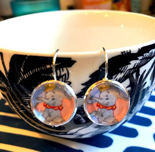 Dumbo cabochon earrings- 16mm