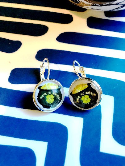 St Patricks Day pot of Gold cabochon earrings- 16mm