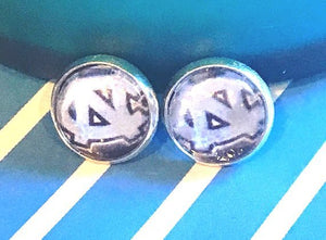 University of North Carolina Tarheels glass cabochon earrings - 16mm