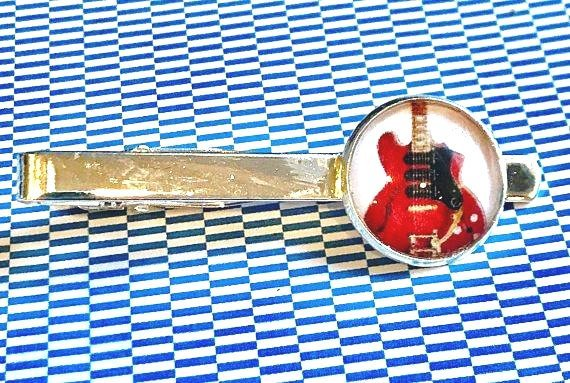 Red electric Guitar cabochon tie clip- 16mm