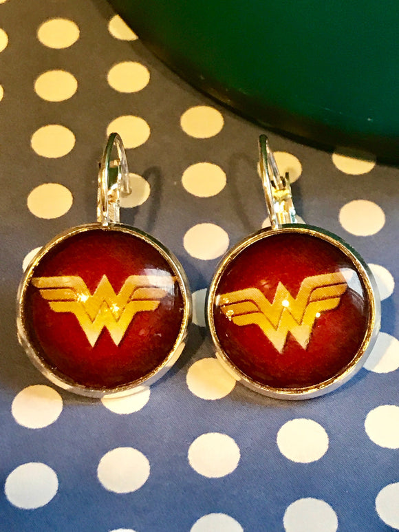 Wonder Woman cabachon earrings - 16mm