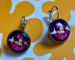 Minnie Mouse glass cabochon earrings - 16mm