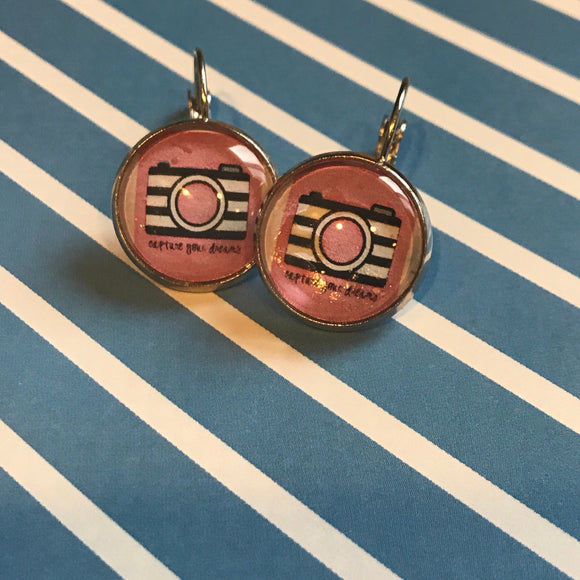 Camera ''Capture Your Dreams' cabochon earrings - 16mm