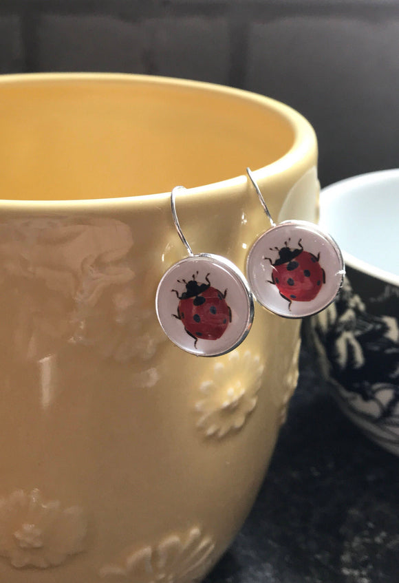 Ladybug glass cabochon earrings - 16mm